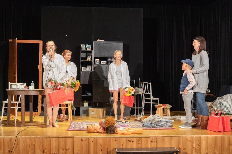 Divadelní představení Nikdy